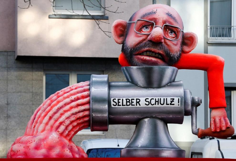 Немецкий политик, член Социал-демократической партии Германии Мартин Шульц, истязающий сам себя