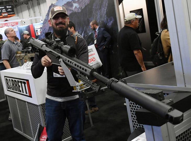 Выставка оружия в Лас-Вегасе, где произошёл самый массовый расстрел в истории США