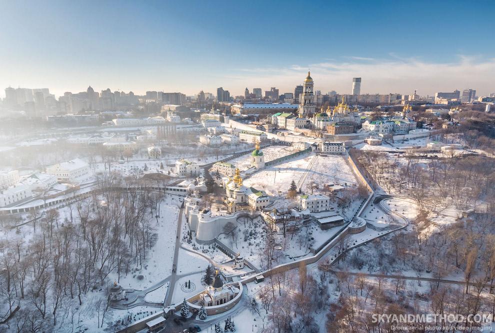 Киево-печерская Лавра в снегу