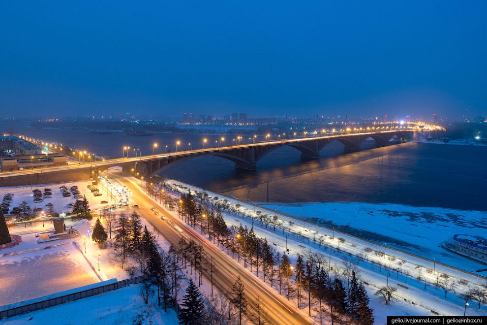 Набережная Енисея и Коммунальный мост.