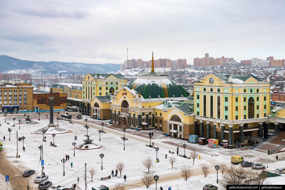 Железнодорожный вокзал станции Красноярск-Пассажирский.