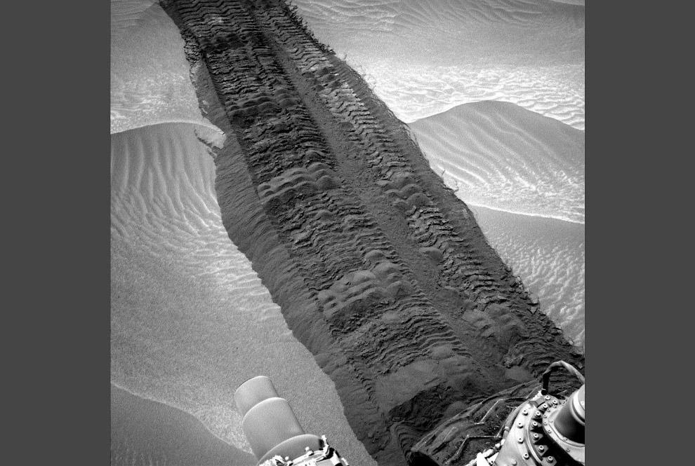 "Так выглядят ""следы"" марсохода на Марсе"