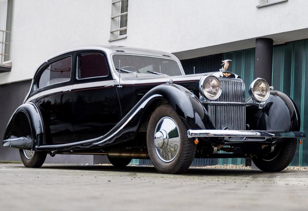 Ретро-автомобиль Hispano-Suiza J12