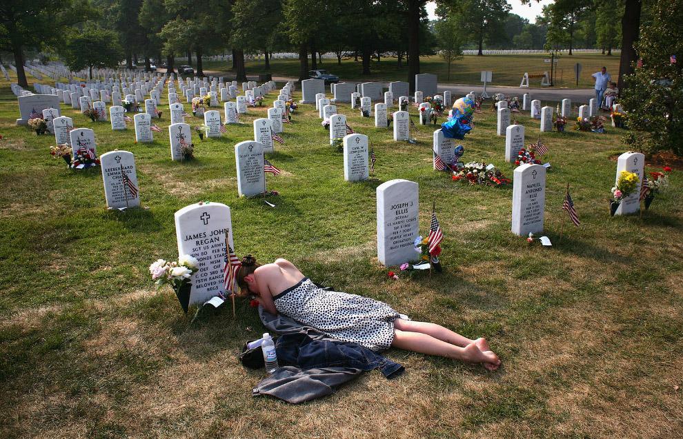 Погибшие американские солдаты на Арлингтонском национальном кладбище