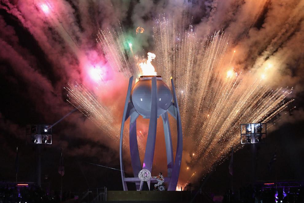 церемония открытия Игр завершилась фейерверком