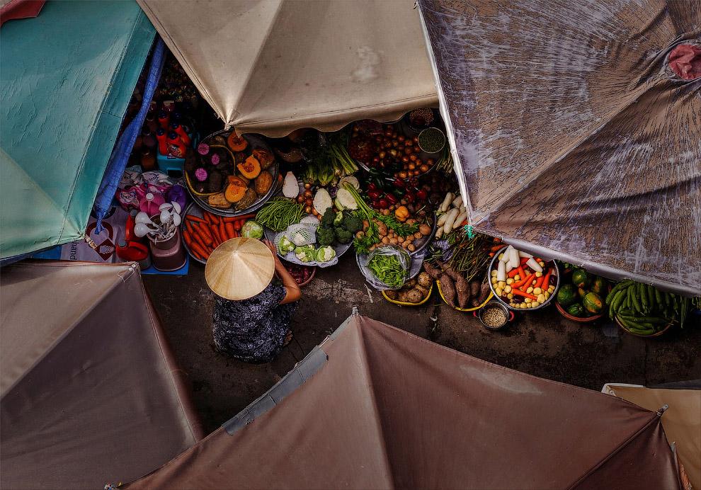 Зонтичный рынок во Вьетнаме