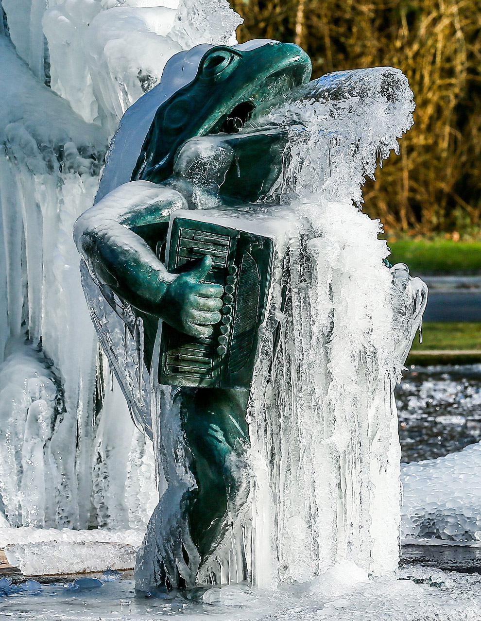 Ледяная лестница под Будапештом, Венгрия