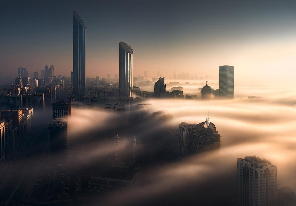 Бурдж-Мохаммед-бин-Рашид — небоскрёб в Абу-Даби