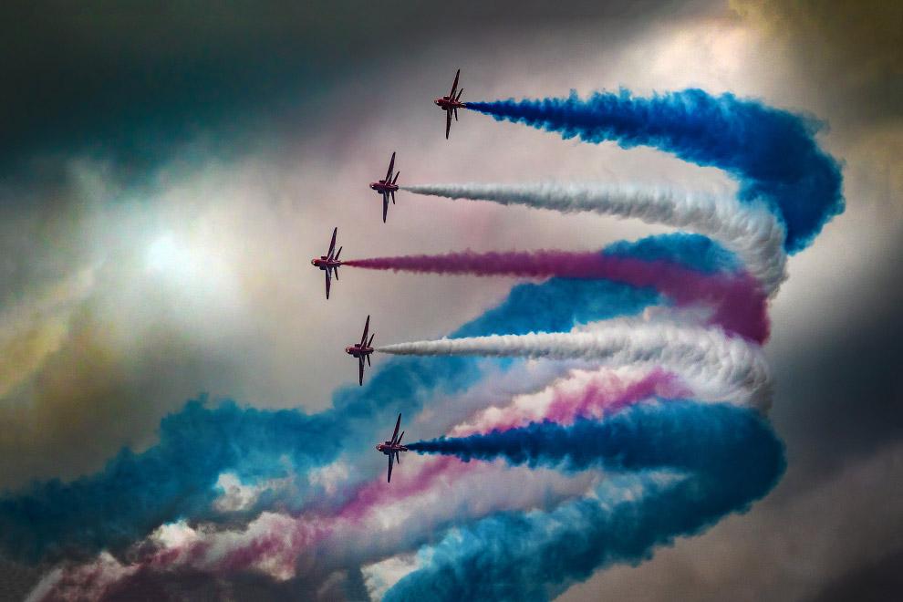Червоні стріли - пілотажна група Королівських ВПС Великобританії