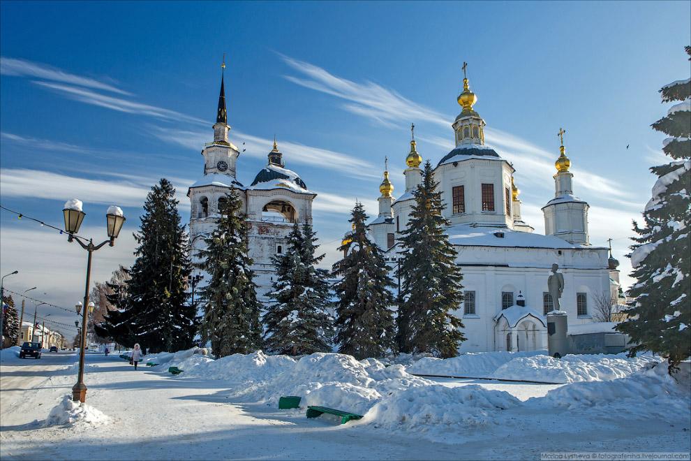 Главный храмовый ансамбль – Соборное дворище