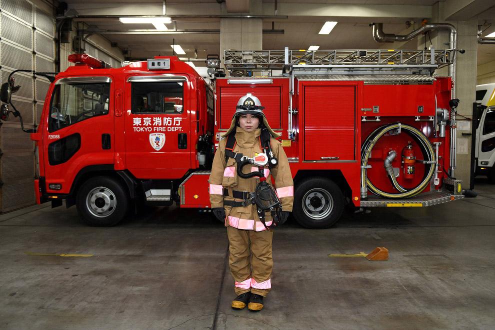 Женщина-пожарный из Токио, Япония