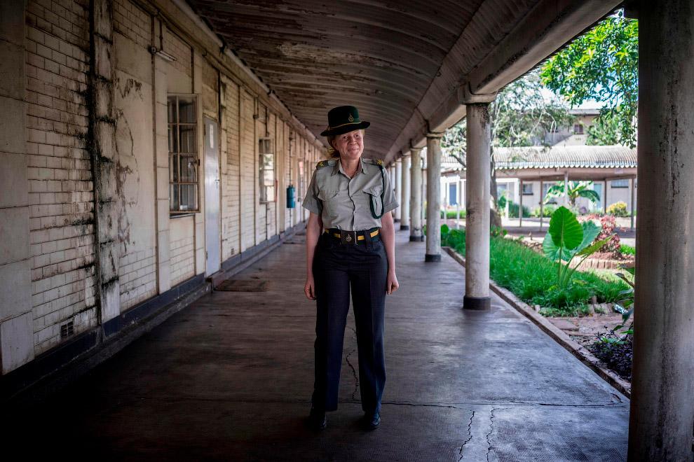 Работник в тюрьме в Зимбабве