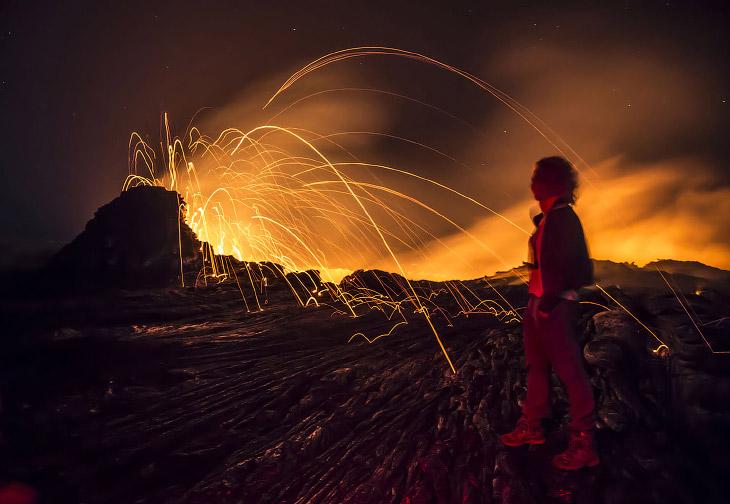 Кратер вулкана Эрта Але в пустыне Данакиль