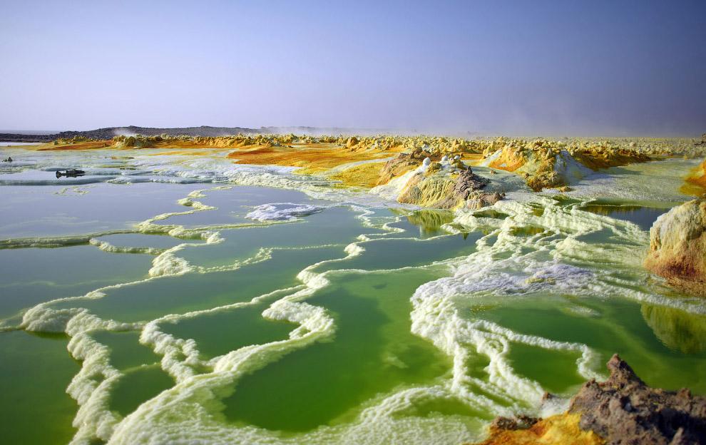 Серное озеро в Данакильской впадине