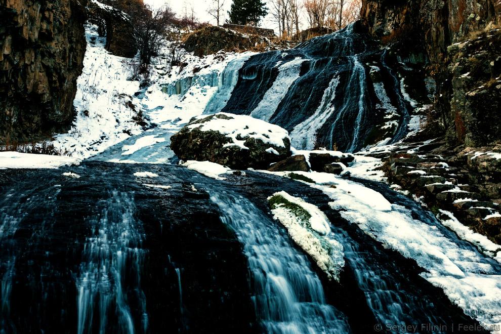 водопад в курортном городке Джермук.