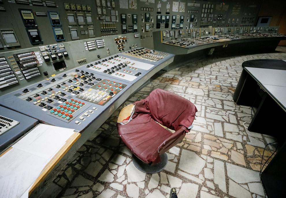 Пульт управления третьим реактором чернобыльской АЭС