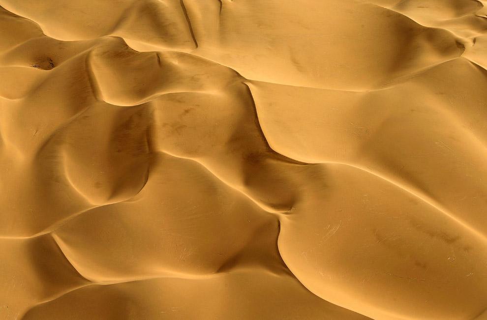 Дюны в пустыне Гоби на северо-западе Китая