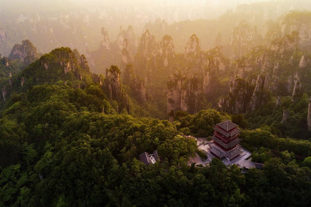 Национальный лесной парк Чжанцзяцзе в городском округе Чжанцзяцзе, провинция Хунань, Китай