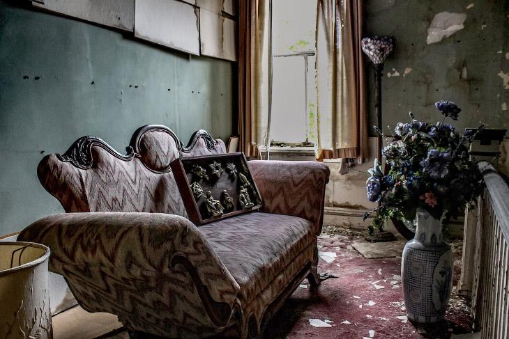Заброшенный похоронный дом во Флориде