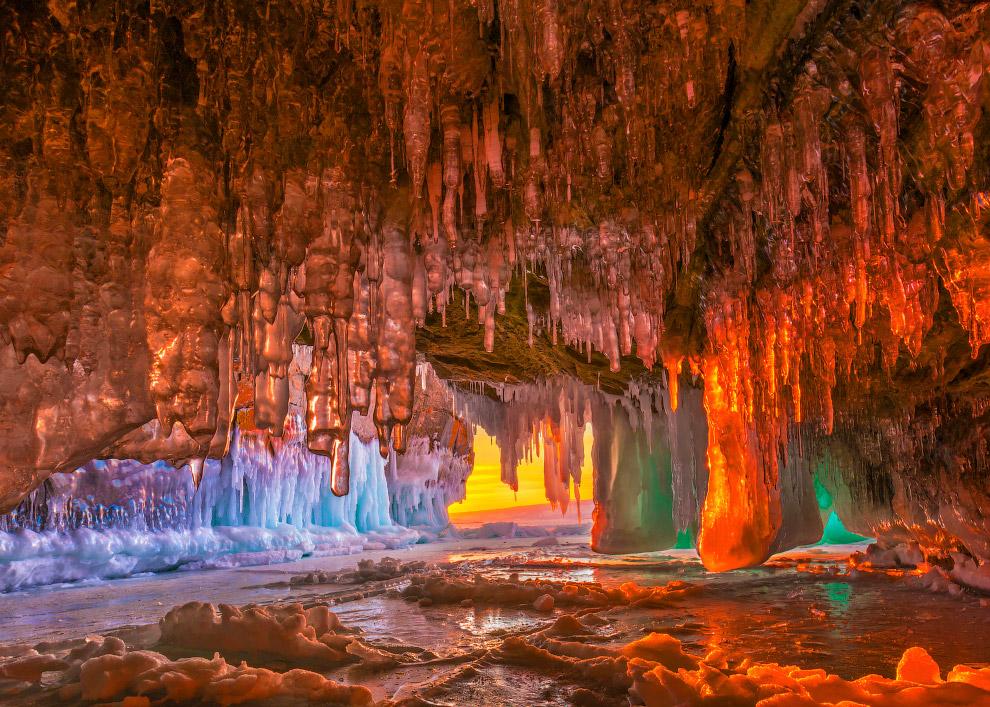 Замёрзшие пейзажи Ольхонских островов