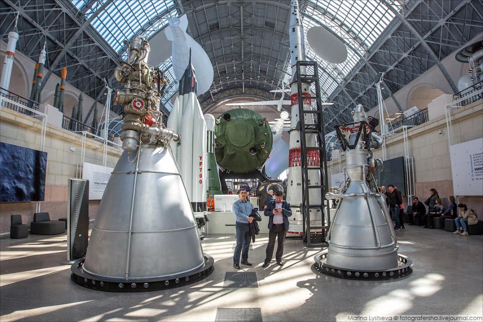 жидкостные ракетные двигатели НК-43 и НК-33