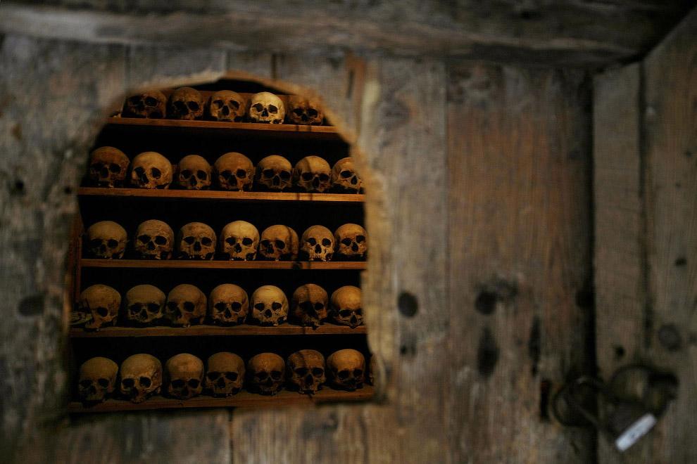 В Монастыре Метаморфоза хранят черепа умерших монахов