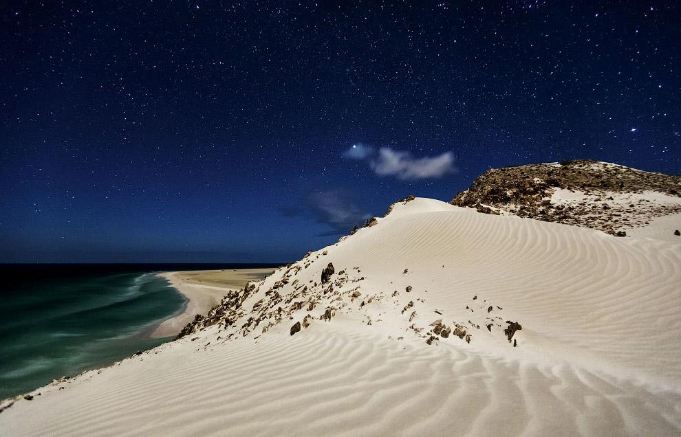 Ночной пейзаж Сокотры в индийским океане