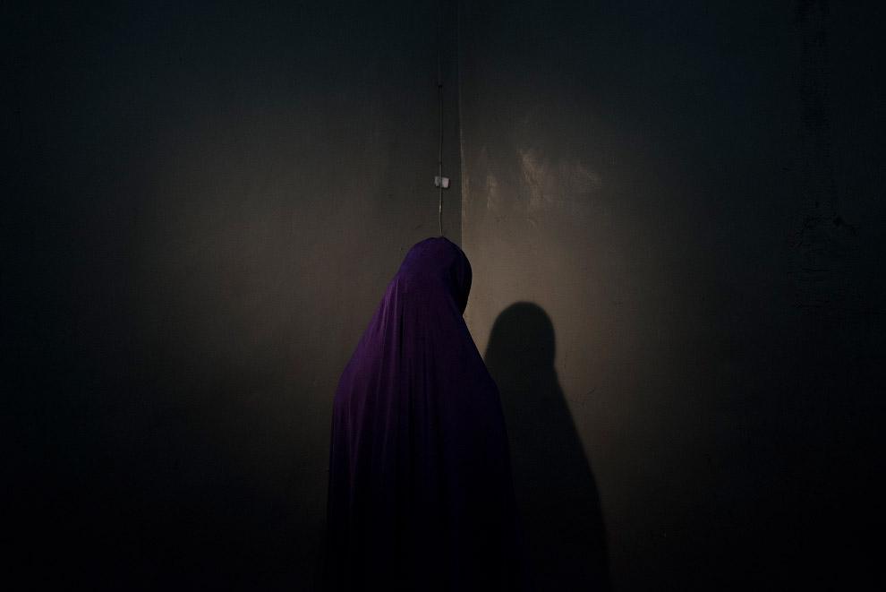 Портреты девушек, похищенных боевиками нигерийской группировки