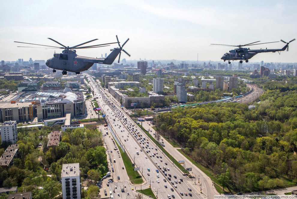 Пересечение Ленинградки и МЦК, левее — станция «Балтийская»