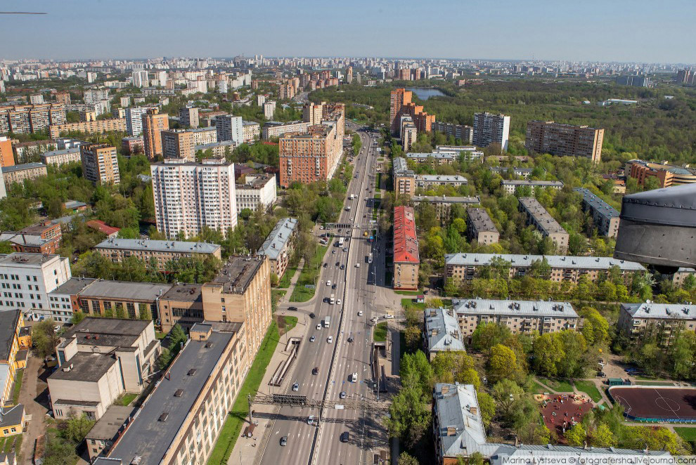 Большая Академическая улица, выше — Тимирязевский парк.