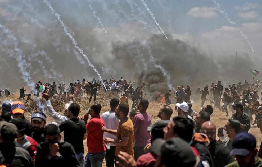 Снова слезоточивый газ лети в палестинцев
