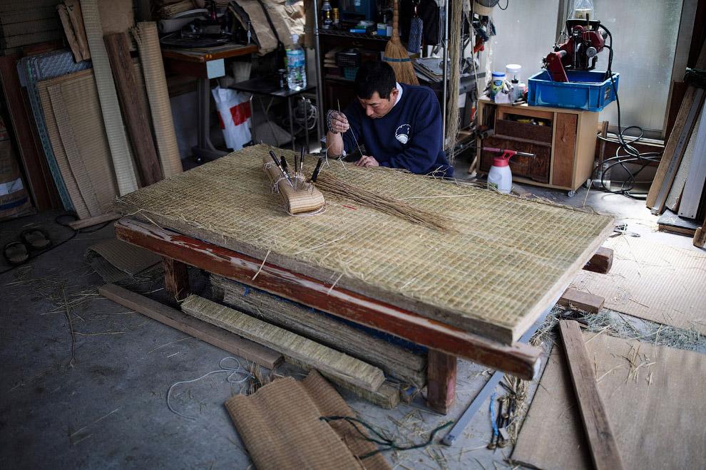 Один из немногих японских производителей матов и татами, который делает всё вручную