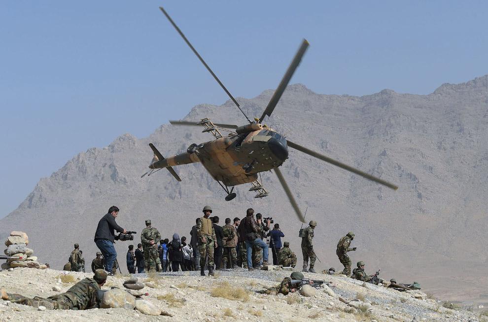 Вертолет Ми-17 афганской авиации