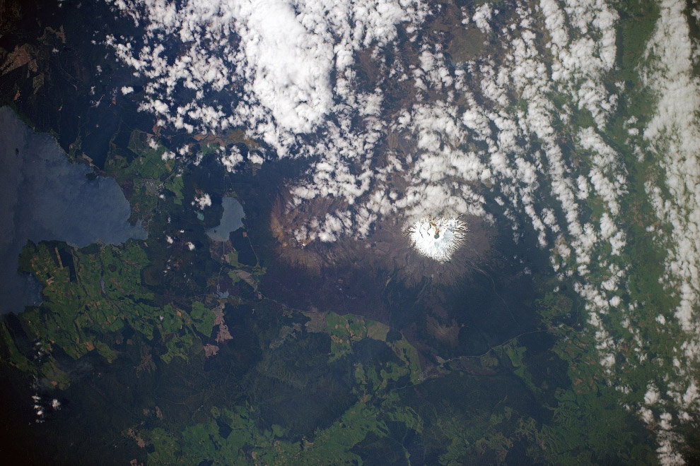 Руапеху — стратовулкан в Новой Зеландии