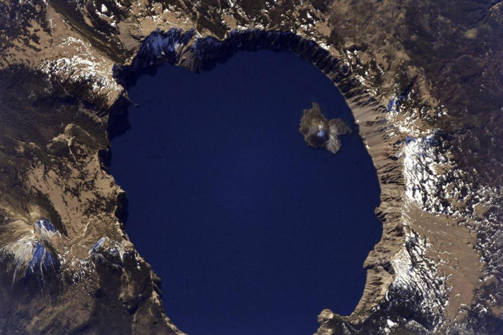 Севан — озеро в Армении