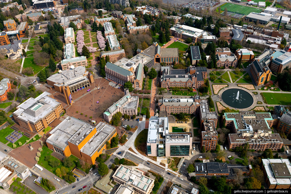 Вашингтонский университет (University of Washington)