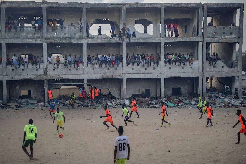 А это стадион в Могадишо, Сомали