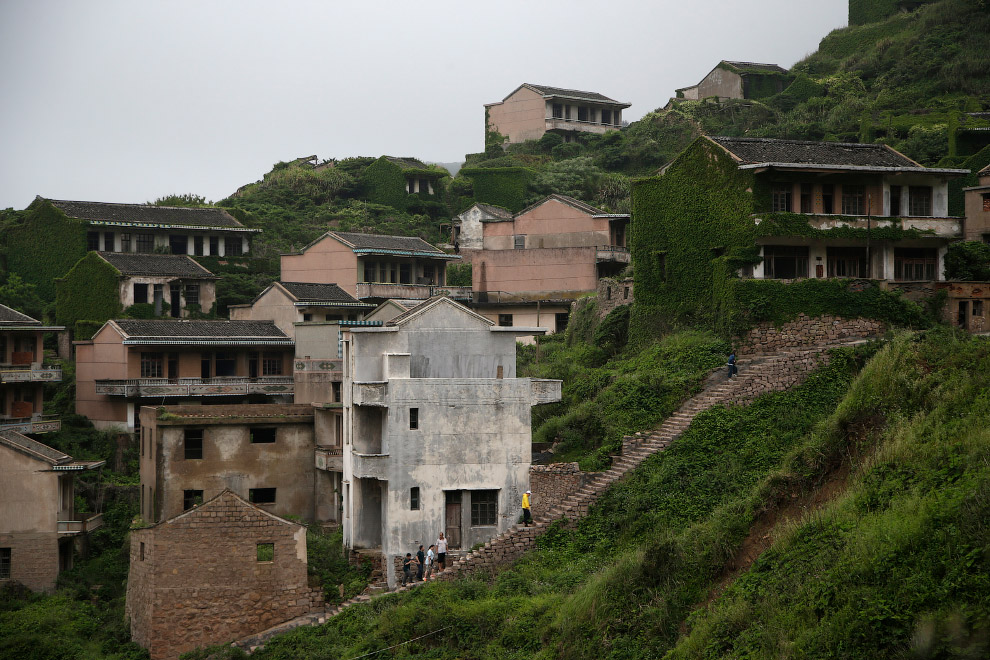China Travel Ghost Village