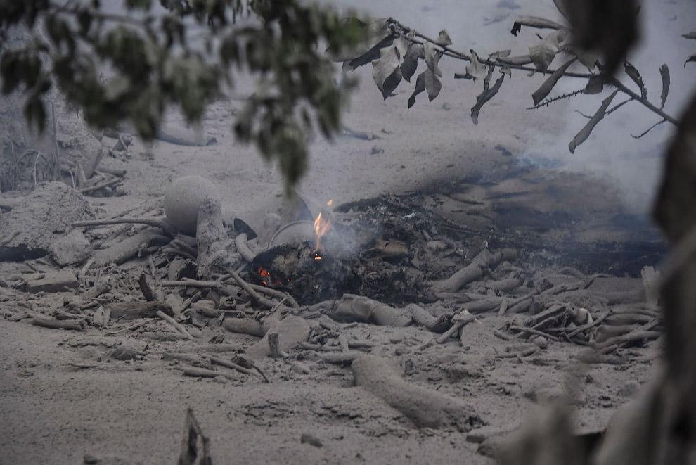 Извержение вулкана Фуэго в Гватемале