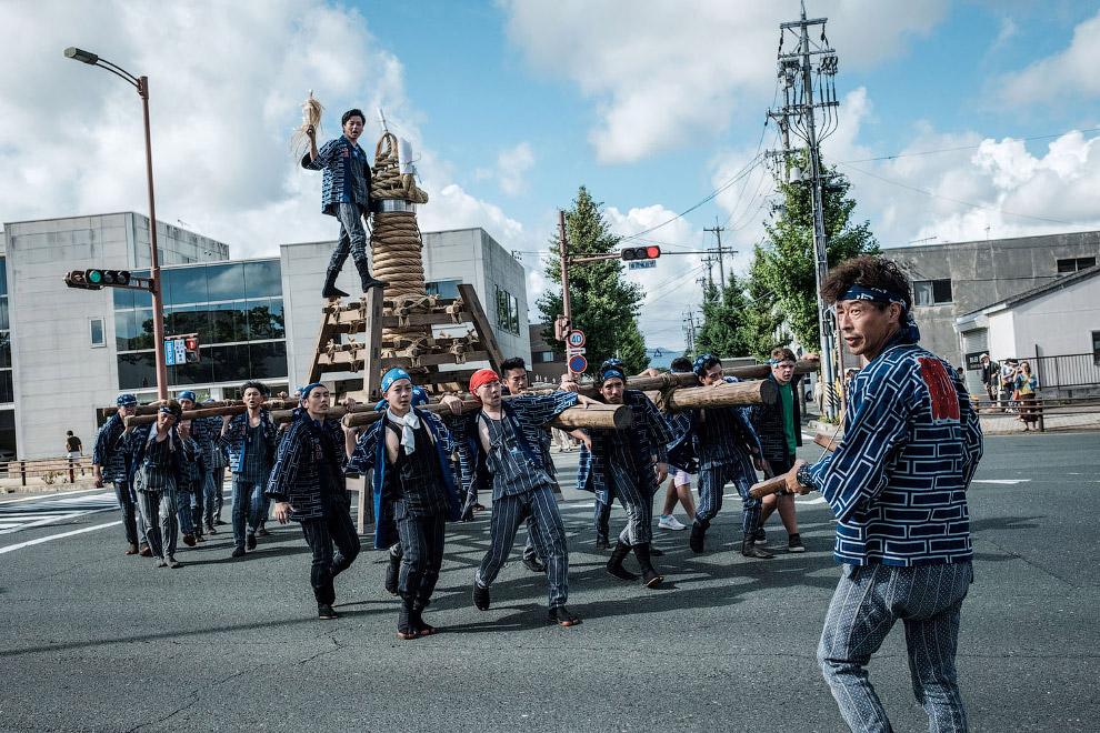 Фестиваль фейерверков Тоёхаси Гион