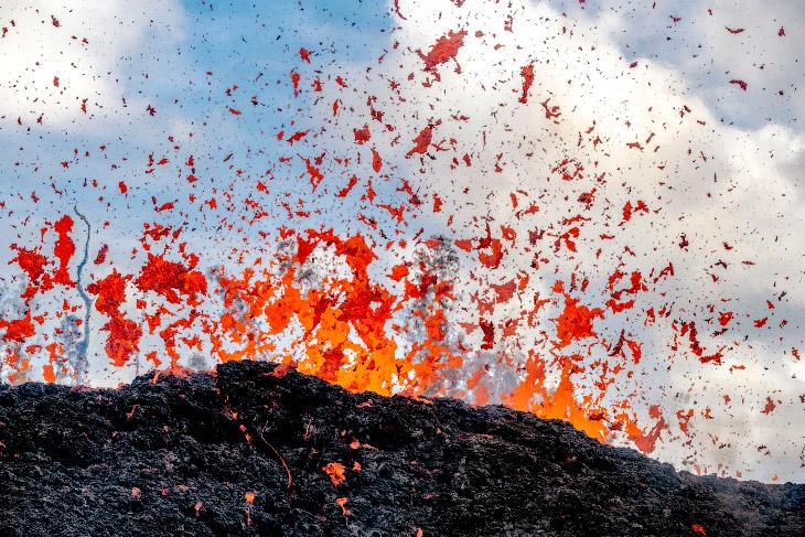«Изрыгающий» вулкан Килауэа
