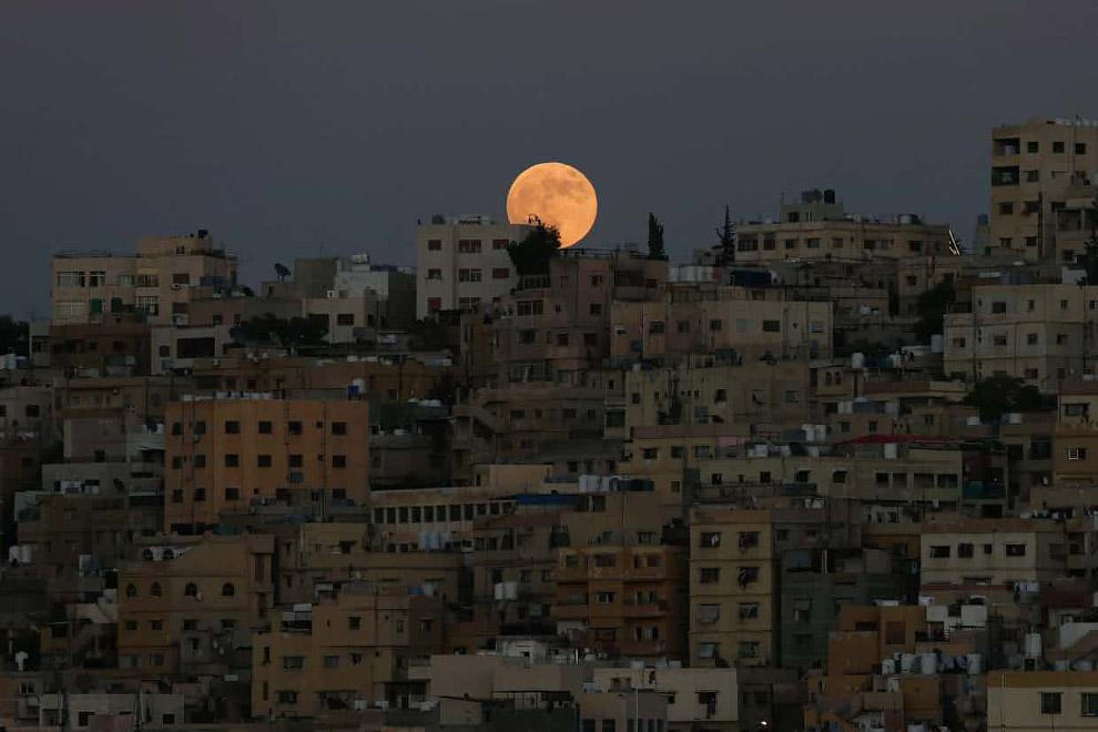 Лунное затмение в Аммане, Иордания