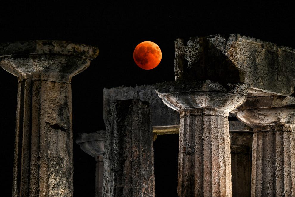 Лунное затмение XXI века в Греции