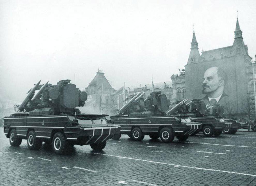 ЗРК «Оса» на параде в Москве