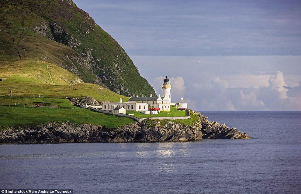 Маяк Брессей, Шетландские острова
