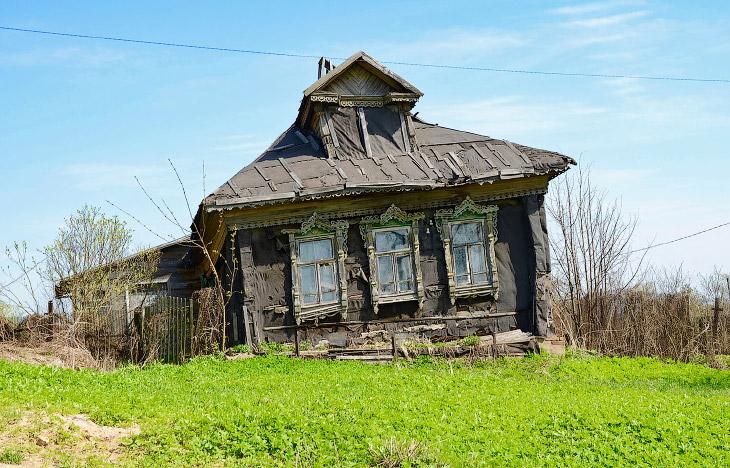 Классический пример — заброшенный дом в Подмосковье