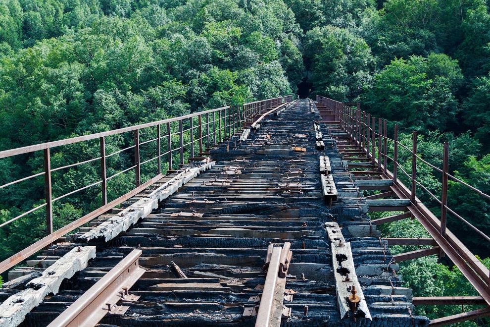 Ж/д мост возле города Холмск, Сахалинская область