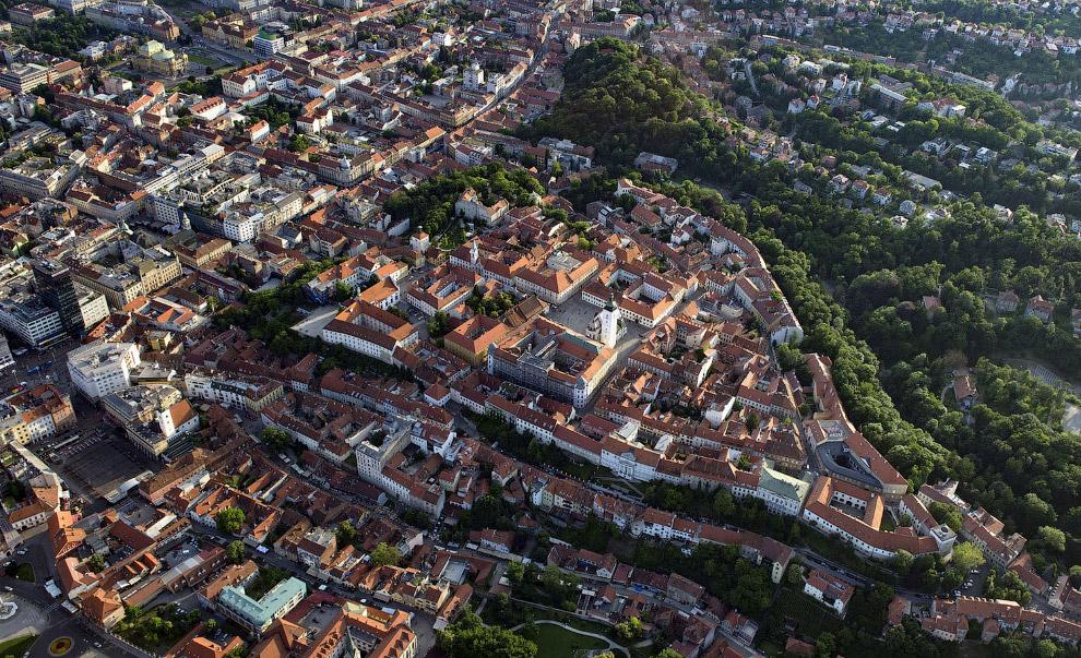 Верхний город