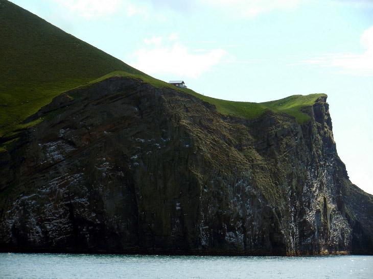 Остров Бьярнарей, Исландия