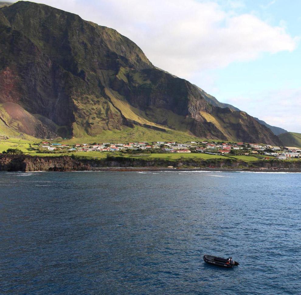 Остров Тристан-да-Кунья, поселение Эдинбург семи морей